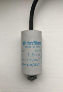 ItalFarad Motor Run Capacitor 1.5uF Black Twin Lead