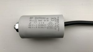ItalFarad Motor Run Capacitor 8uF Black Twin Lead
